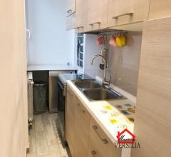 Carrara, vicinanze duomo, appartamento appena ristrutturato