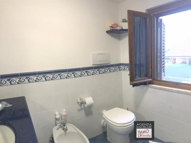 Case - Piano di conca: appartamento ristrutturato con resede esterna