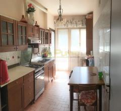 Sanremo grande bilocale con cucina abitabile