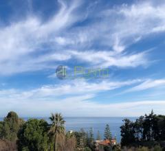 Sanremo in zona verde e tranquilla con vista mare