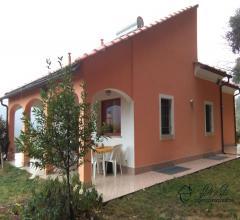 Indipendente villa con giardino in vendita ad ortovero