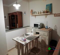 Case - Appartamento  ristrutturato con spazio all'aperto in terratetto