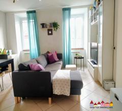 Carrara luminoso appartamento ristrutturato