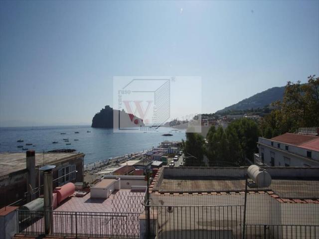 Palazzo in vendita a ischia ischia porto