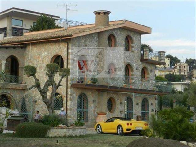 Villa in vendita a formia periferia