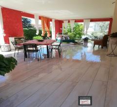 Case - Stiava: villa singola con ampio giardino su quattro lati