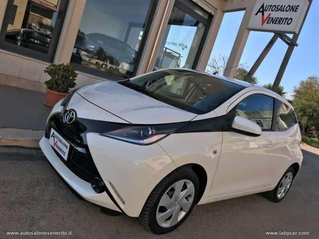 Toyota aygo 1.0 vvt-i 69 cv 5p. x-clusiv mmt