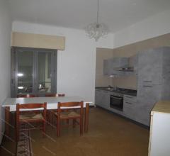 Loreto m1 - m2 a due passi, in piazza aspromonte 43 proponiamo in affitto ampio trilocale ristruttur