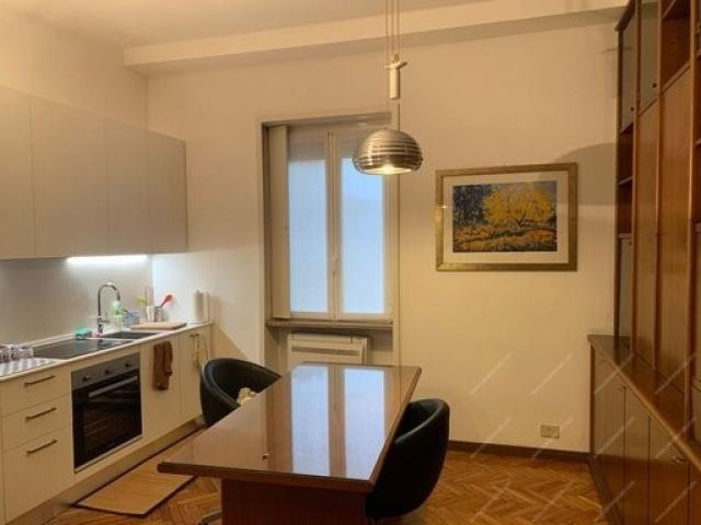 Case - Trilocale con cucina a vista. richiesta 1800 compreso le spese condominiali.