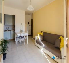 Case - Appartamento con balcone e posto auto