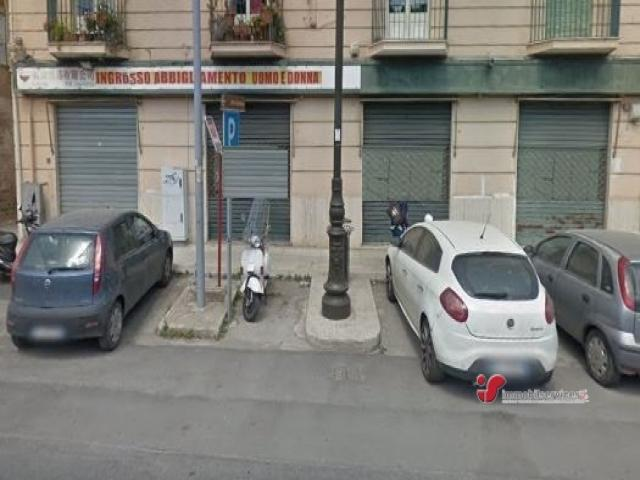 Case - Palermo locale commerciale zona lincoln