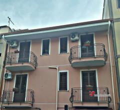 Case - Ficarazzi (pa) palazzina cielo/terra zona centro urbano