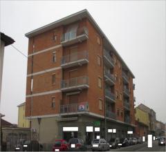Negozio/locale commerciale - strada stupinigi 45 - 10024