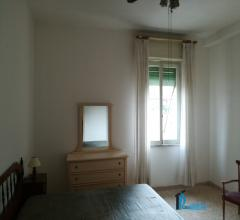 Adiacenze di piazza tacito: due camere mobiliato