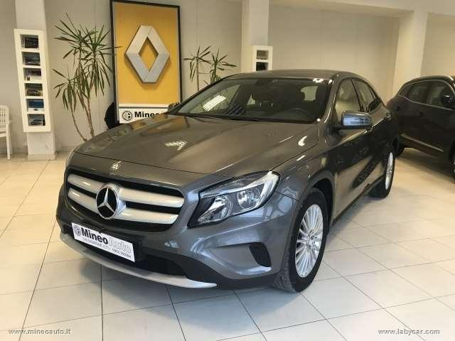 Mercedes-benz gla 200 d business extra