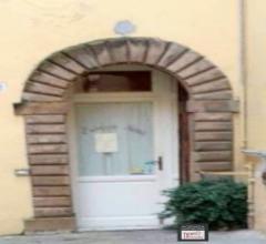 Lucca centro storico: mq 50 fondo commerciale indipendente vendesi