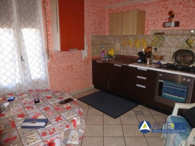 Case - Abitazione di tipo economico - via adamello n. 40