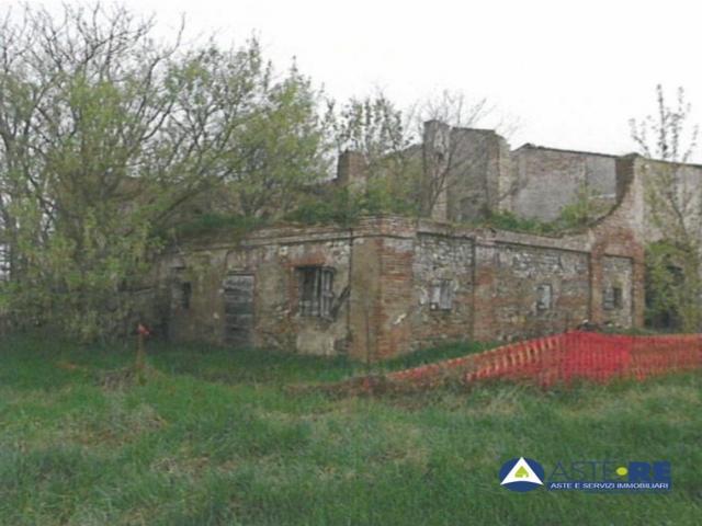Case - Abitazione di tipo rurale - via emilia ovest n. 1759