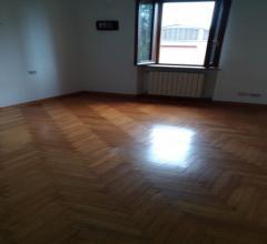 Case - Ampio appartamento con grande salone