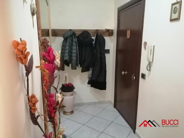 Case - Soccavo, via dell'epomeo 3 vani con accessori posto auto