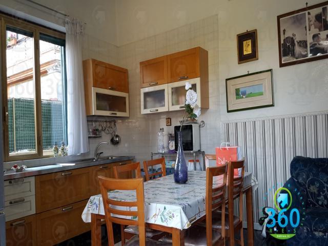 Case - Appartamento con terrazzo e ampia cantina a miano, na.