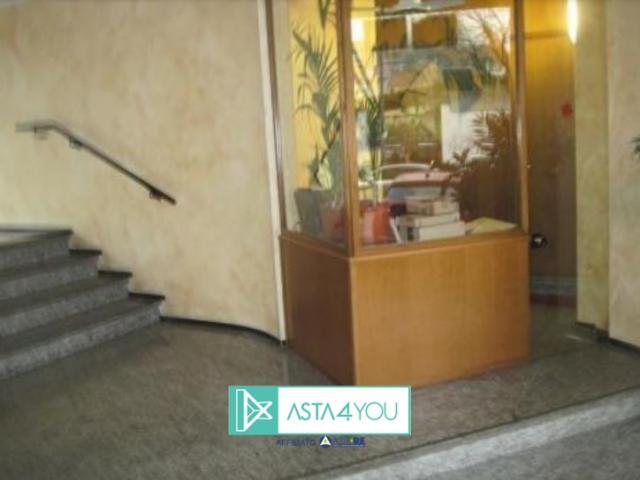 Case - Magazzino all'asta in via pastorelli 19, milano (mi)