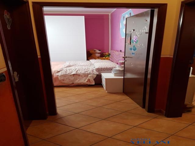 Case - Vendesi appartamento con 2 camere in centro storico