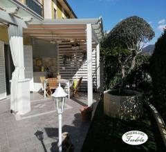 Piano terra con giardino e garage