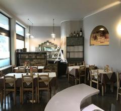 Case - Tecnoazienda: immobile commerciale con pizzeria ristorante