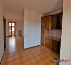 Appartamento con grande terrazza abitabile di mq 18