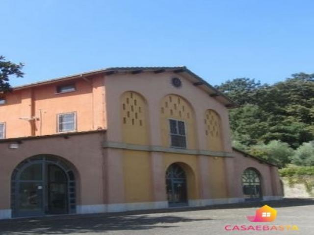 Case - Locale commerciale - via della pisana n. 950/e