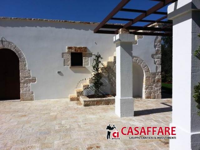 Case - Puglia  -  ceglie massapica - trullo completamente  ristrutturato con uliveto per c.a. 19.000 mq