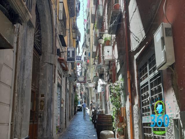 Case - Trilocale in vendita a due passi da via toledo piazza plebiscito