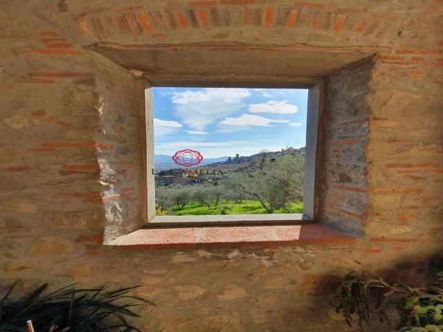 Case - Casolare sulle colline di lucca con panorama mozzafiato