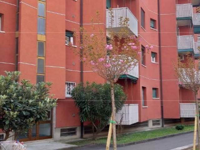 Appartamento - via lorenteggio 201