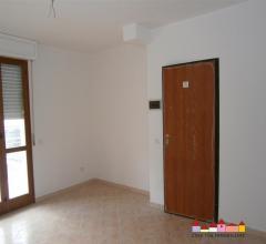Carrara appartamenti in zona servita