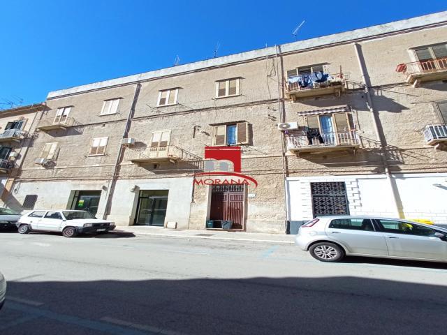Appartamento pressi piazza martiri d'ungheria/via g.b. fardella