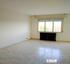 Appartamento in affitto con cucina arredata e 2 camere letto con studio