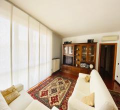 Case - Appartamento di grande metratura in signorile condominio