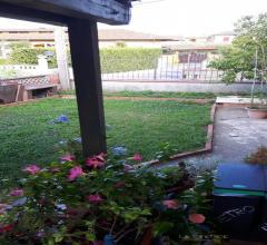 Casa indipendente con giardino a fossone