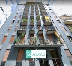 Appartamento all'asta in via giuseppe dezza 25, milano - washington/solari