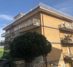 Appartamento all'ultimo piano con terrazzo