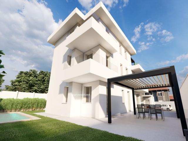 Case - Appartamento in villa indipendente con giardino e taverna.