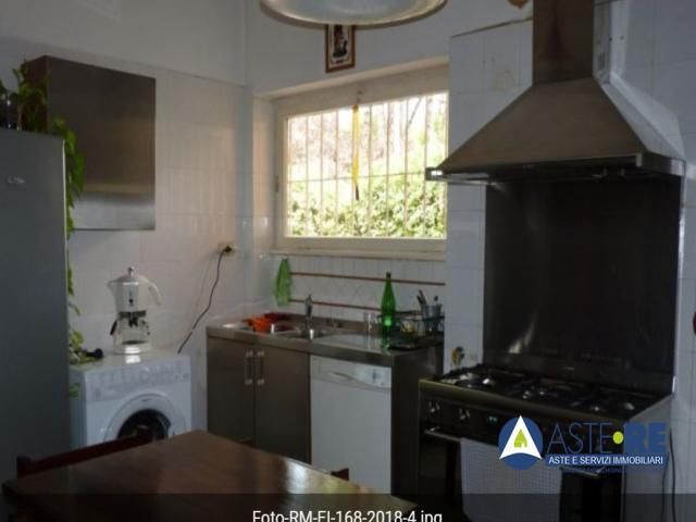 Case - Abitazione in ville - via dell'isola farnese n. 214 / via ferraioli n. 38 - 00100