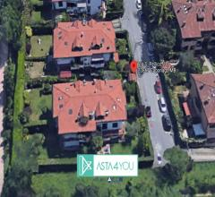 Porzione di villa bifamigliare all'asta in via silvio pellico 10/6, caponago (mb)