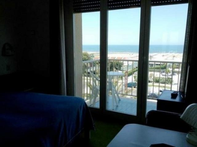 Case - Hotel con ampio parco - da ristrutturare - fronte mare marina di pietrasanta
