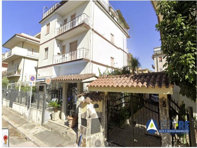 Case - Appartamento - via brunelleschi, 10