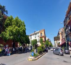Ampio trilocale con mansarda e terrazzo a due passi da piazza castello