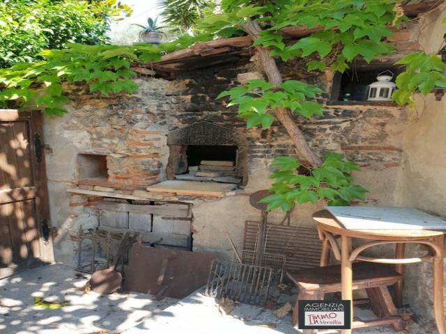 Case - Fascinoso  rustico in pietra con vista