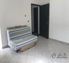Case - Appartamento trilocale con due balconi in vendita a garlenda